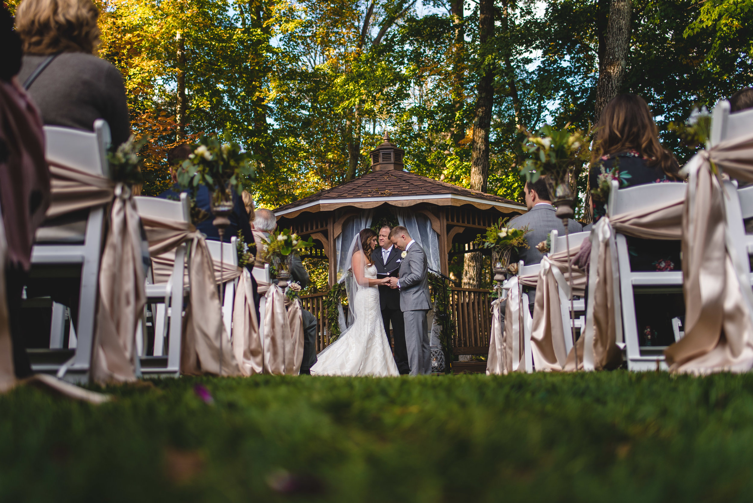 Backyard Wedding Ceremony in Dayton - Studio 22 Photography