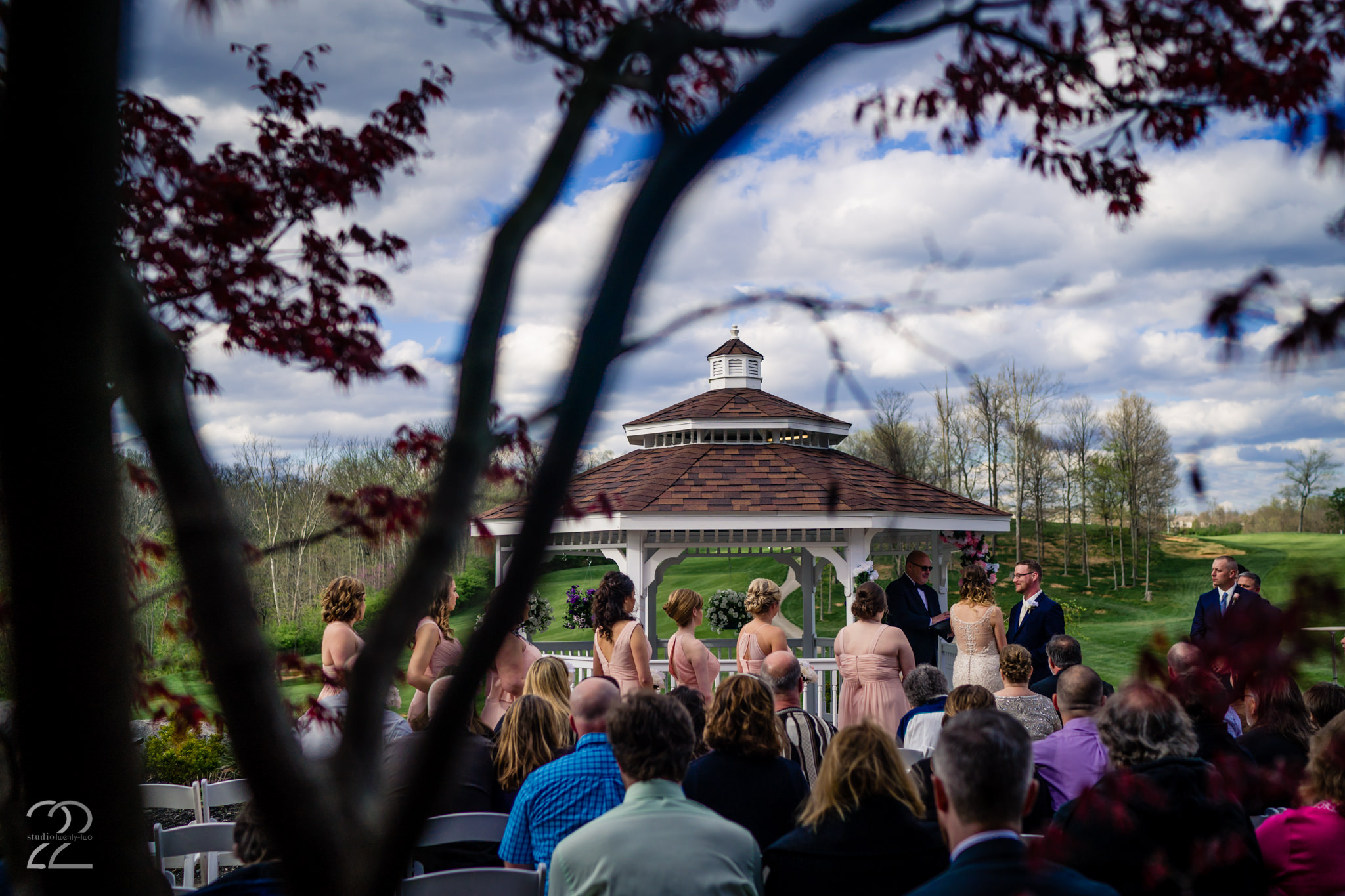 With spring in the air and showing in the trees, Nick and Erica had a beautiful Cincinnati outdoor wedding venue in Aston Oaks Golf Club. As their closest friends and family members were there to celebrate with them, they said their wedding vows and began their lives together as husband and wife.