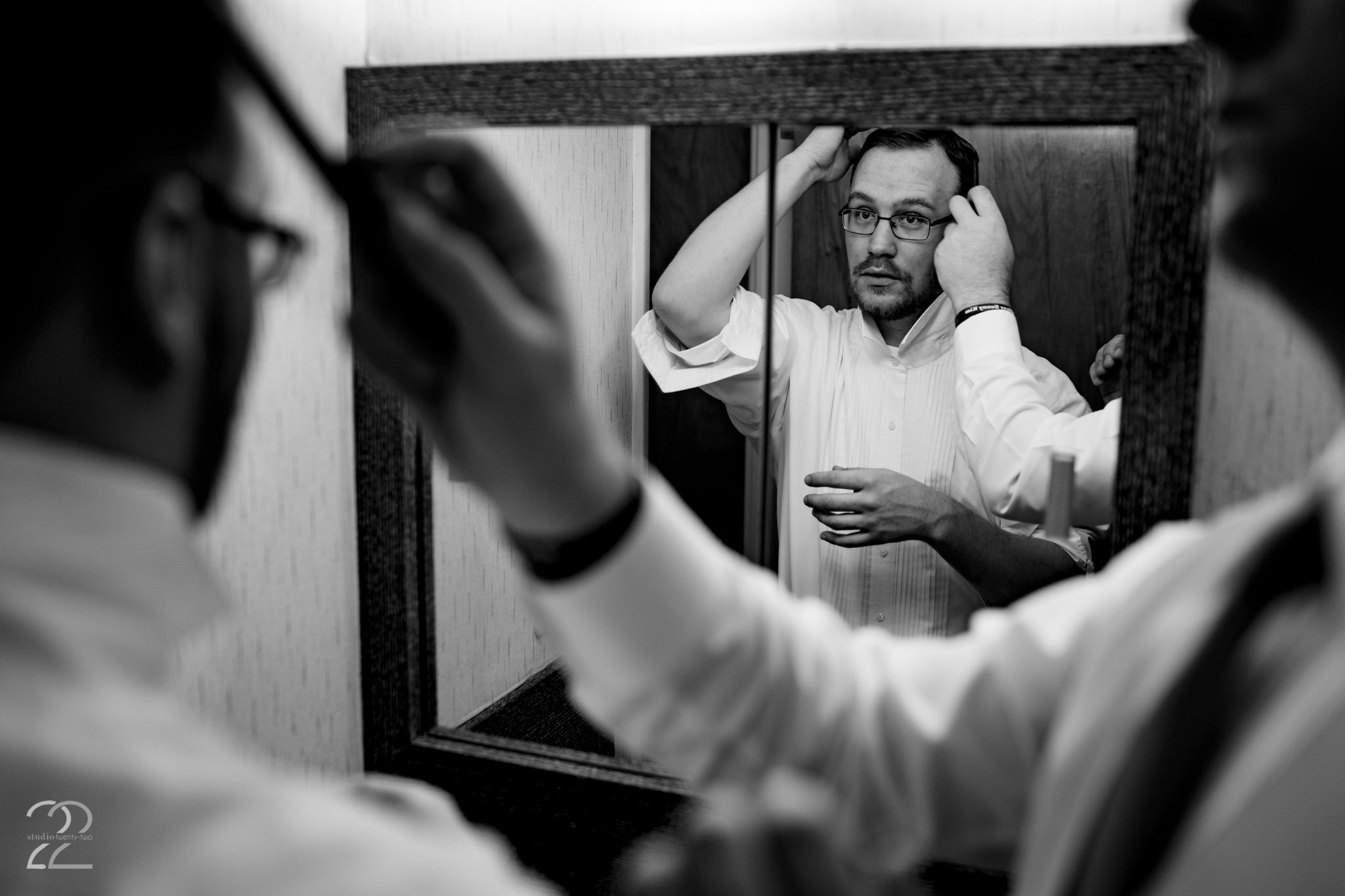 Choosing to get ready in their Cincinnati home, Nick and his groomsmen nail down the perfect wedding day look for him. Getting ready photos are some of my favorites from the wedding day, because it provides a