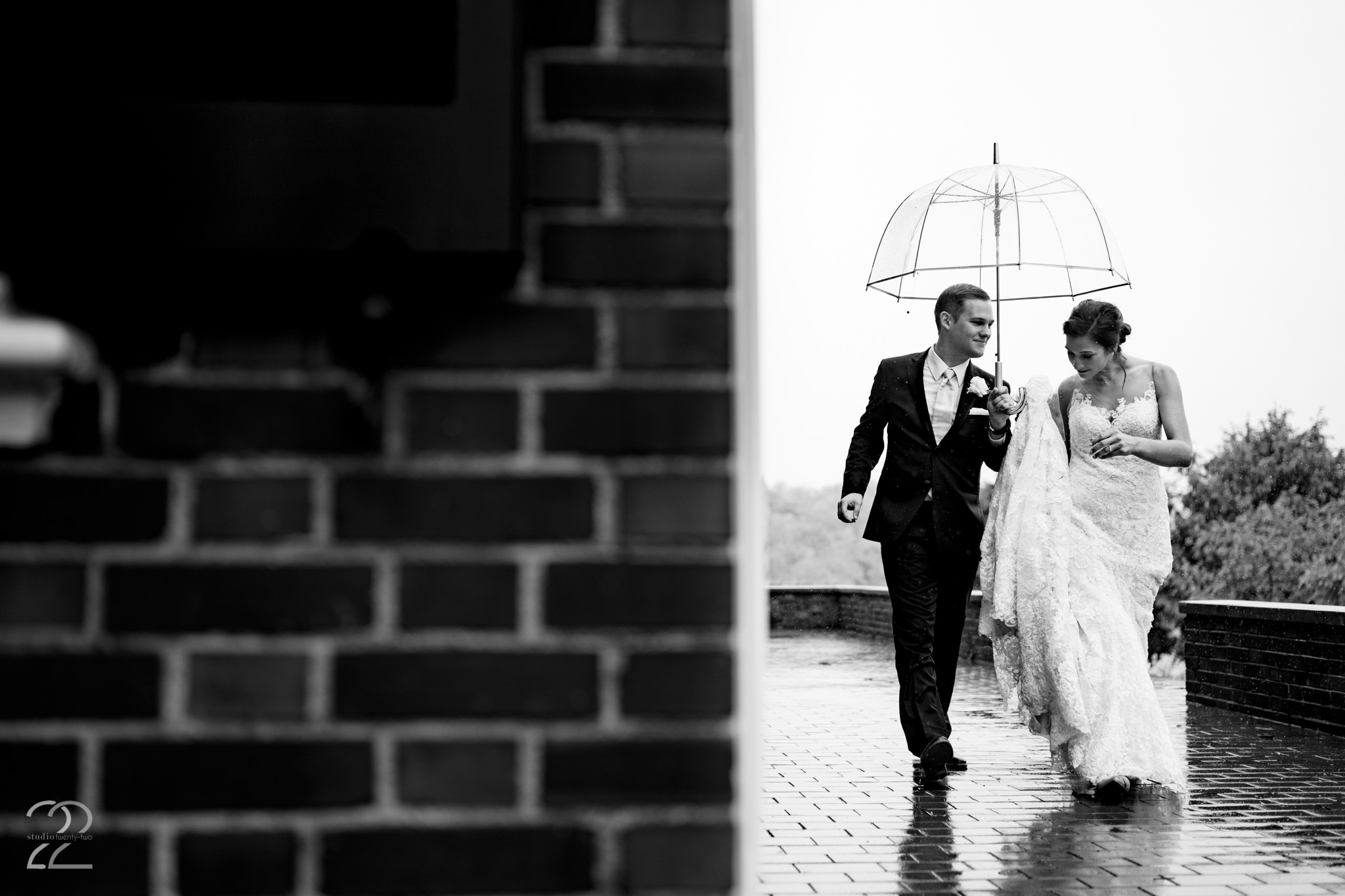 Rainy Farmhouse Wedding in Cincinnati