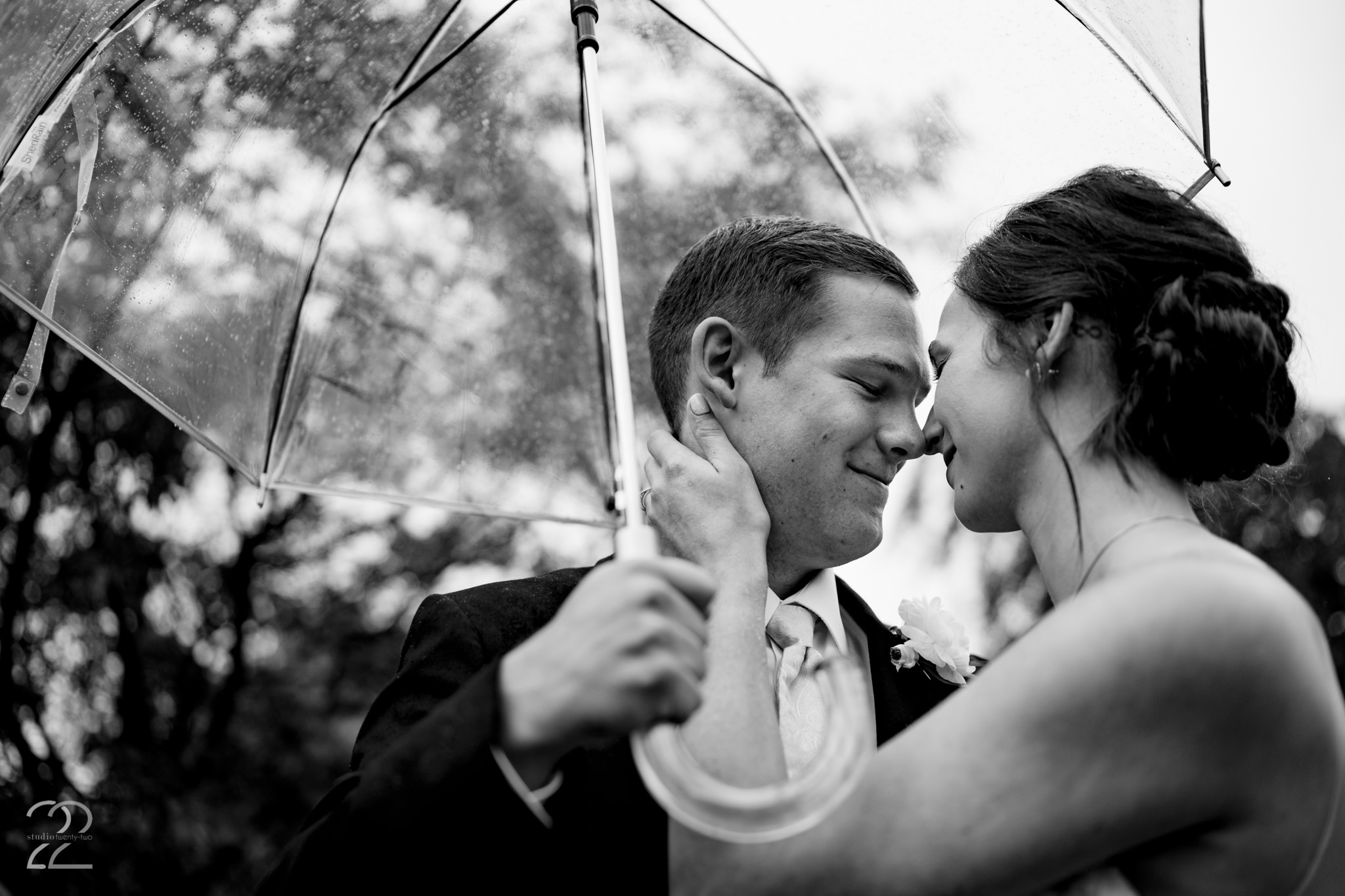 Rainy Farmhouse Wedding - Cincinnati Wedding Photographer - Studio 22 Photography