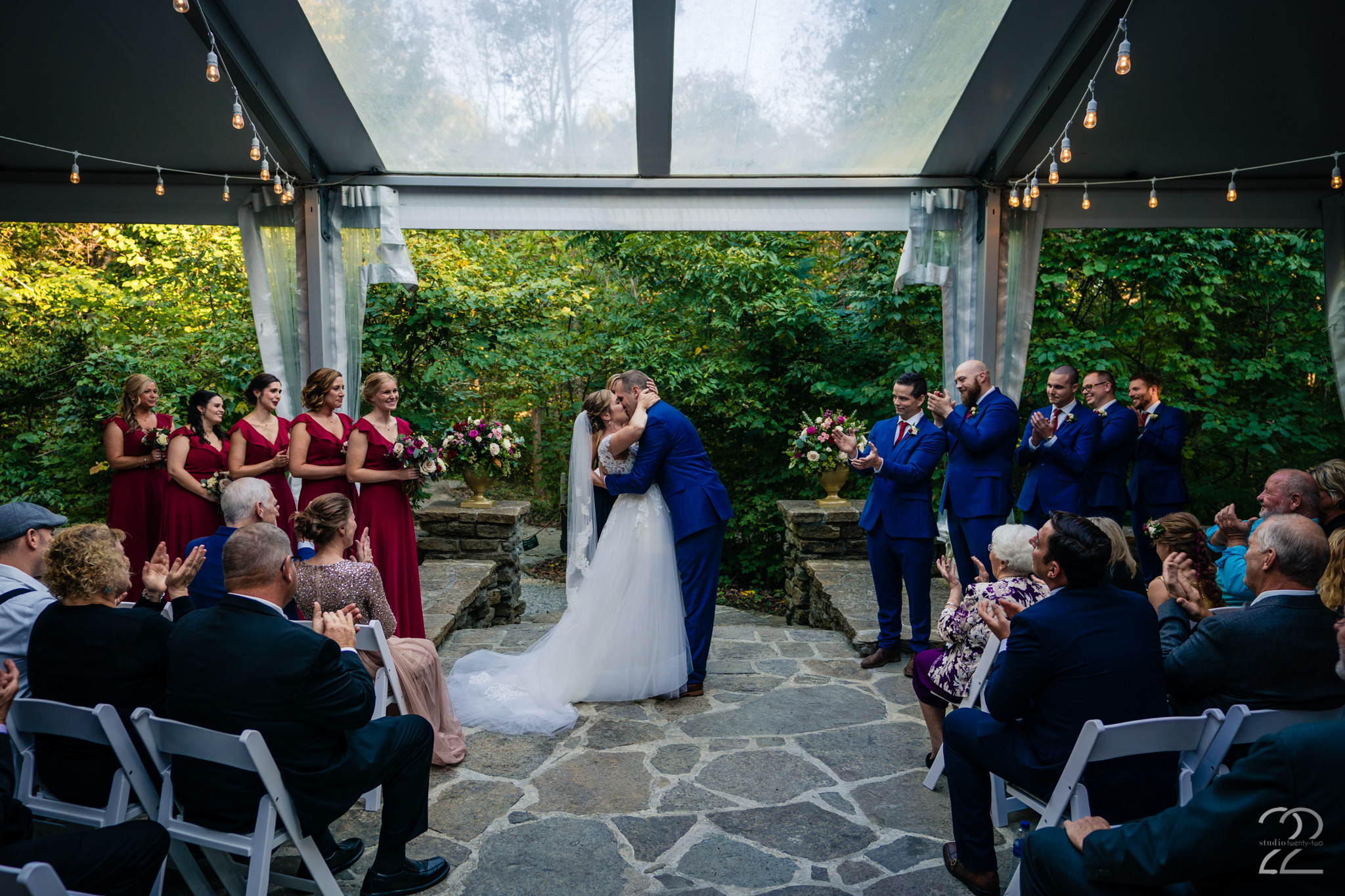 Krippendorf Lodge - Studio 22 Photography - Outdoor Lodge Wedding