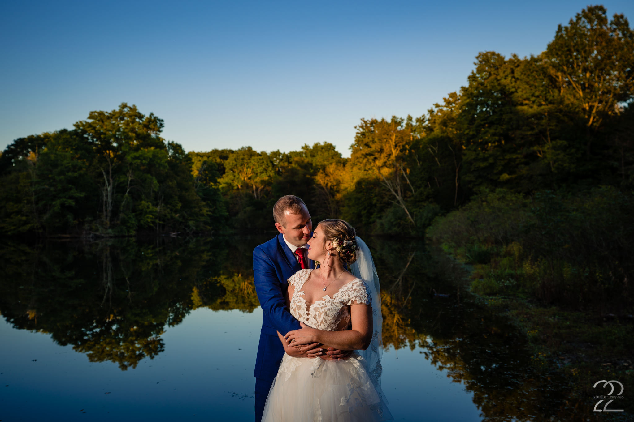 Autumn Weddings - Cincinnati Wedding Photographers - Studio 22 Photography
