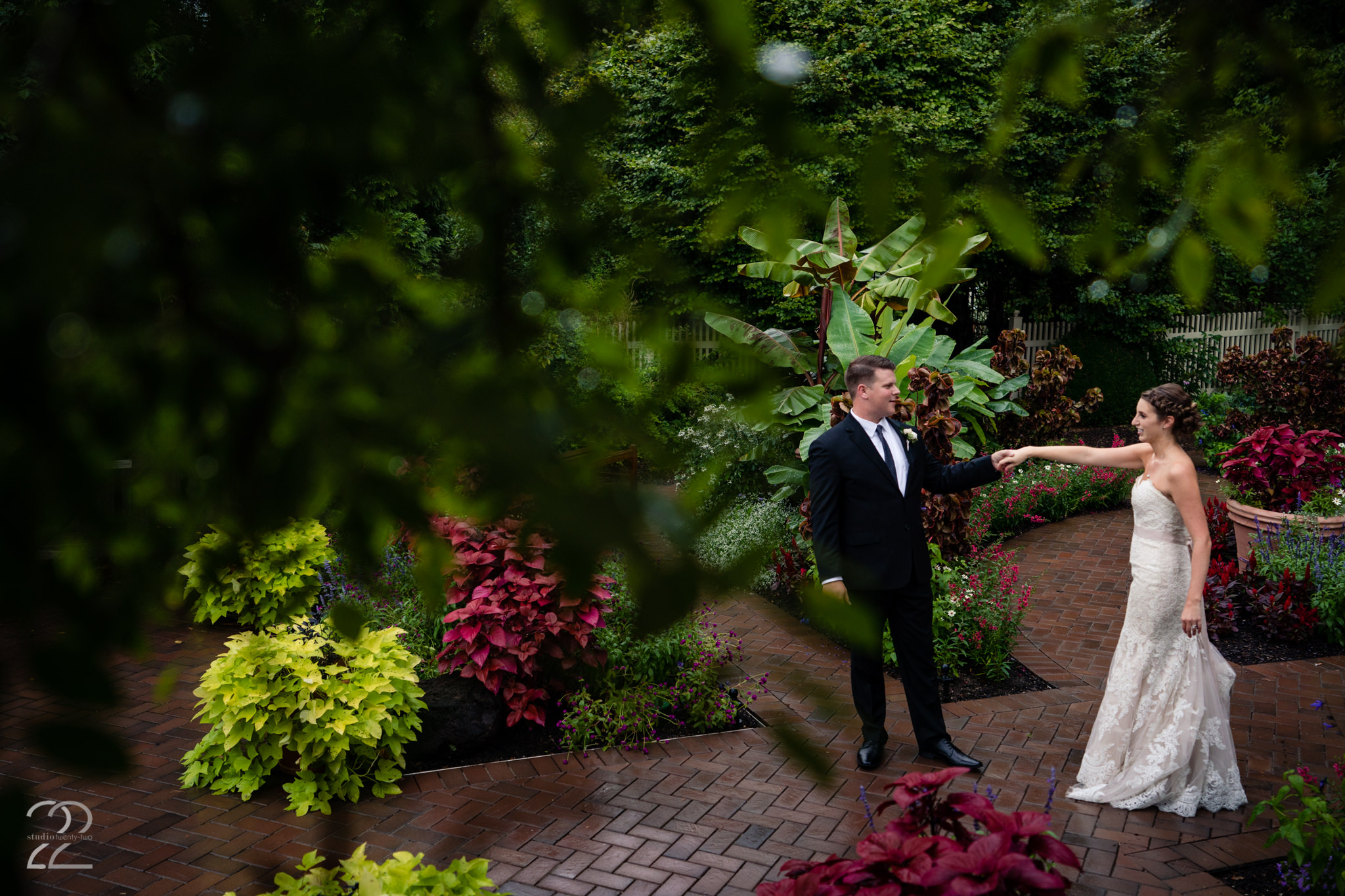 Wegerzyn Garden is another stunning Dayton location for wedding photographs. The mixture of colour and greenery, as well as the perfectly manicured grounds and picturesque walkways allowed for some fantastic images at Taylor and Kirsten's wedding.
