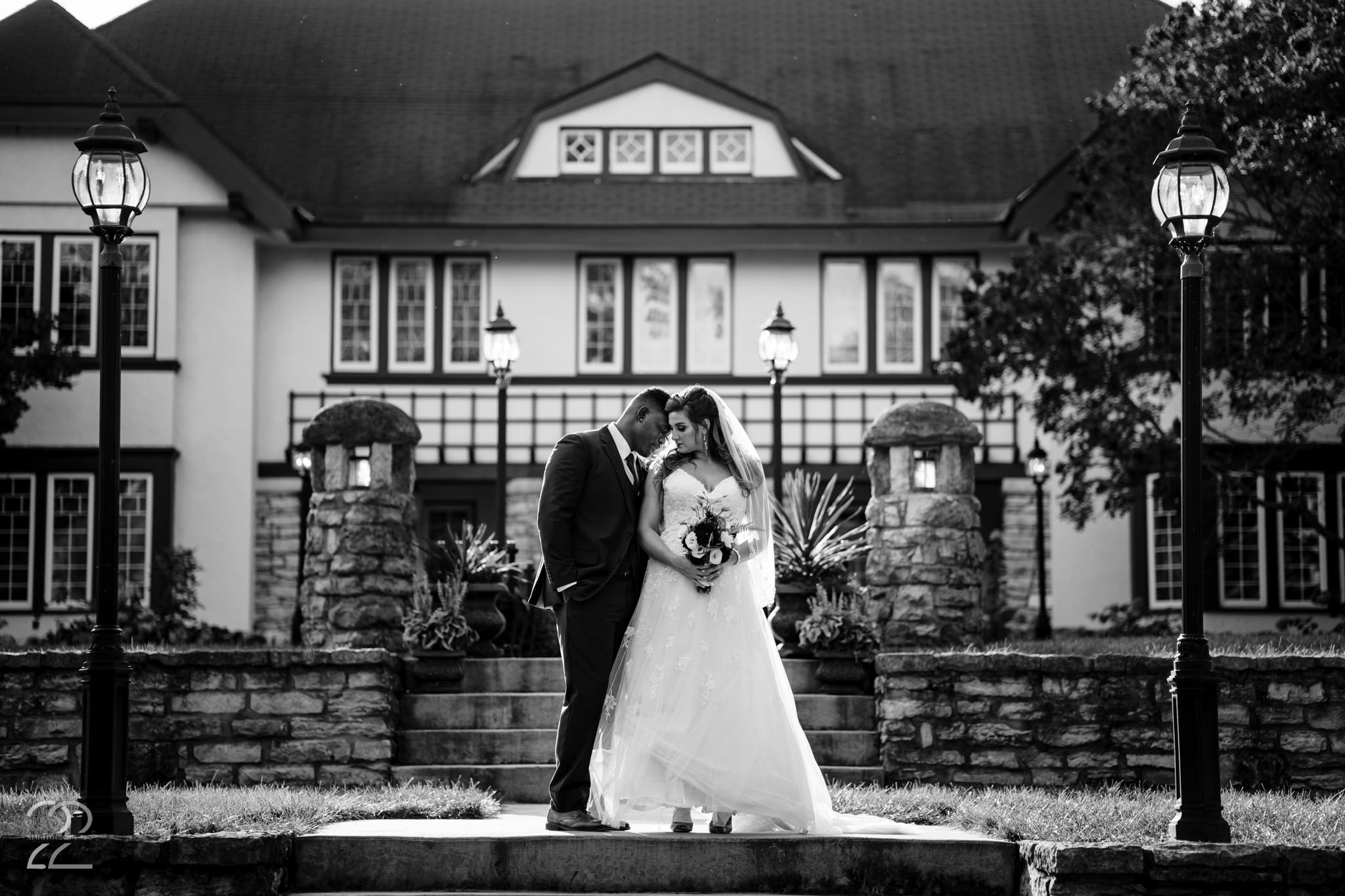 Round Barn Wedding - Orrmont Estate - Studio 22 Photography