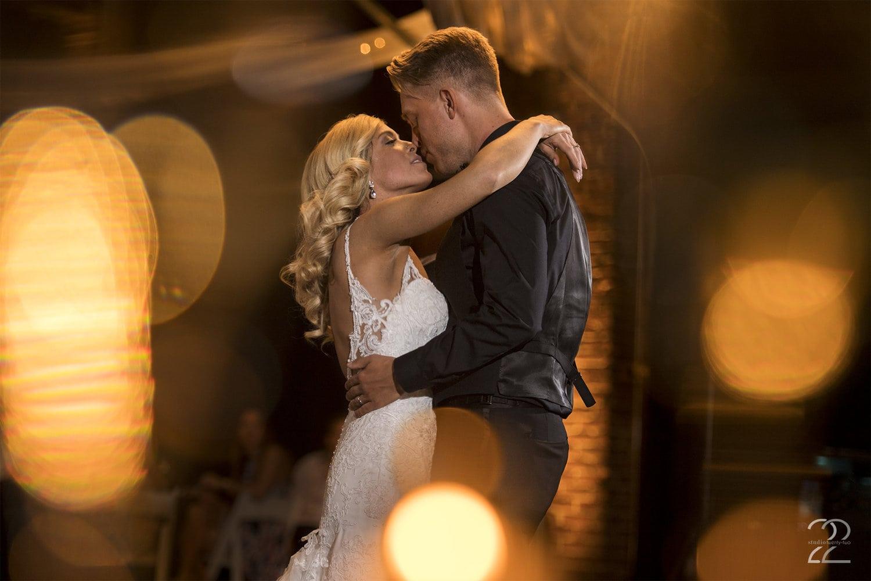 Top of the Market Wedding - Studio 22 Photography - Urban Wedding Photos